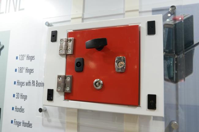 Industria locks and gaskets