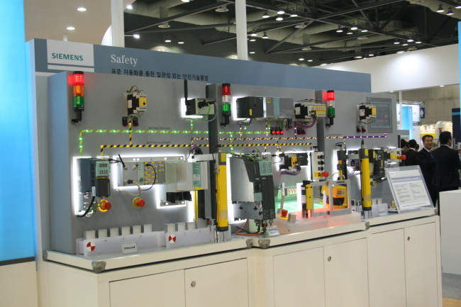 스마트공장을 위한 전 산업에 적용되는 제품 및 솔루션