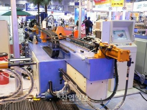 한국, 기계·철강 등 7개 분야 수입특화 상태