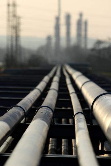 원유수입·제품생산·수입·소비 모두 증가