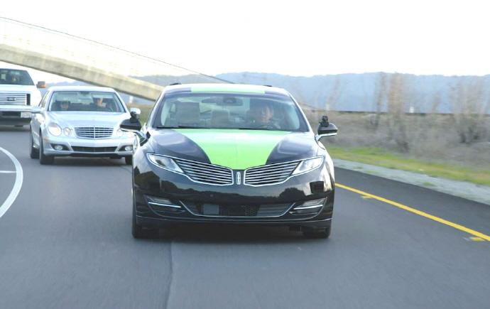 엔비디아, CES 2017에서 자율주행차 시승 진행