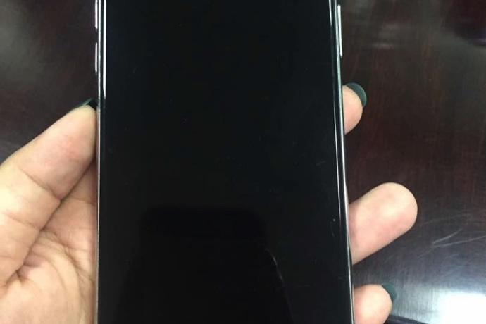 '출시예정일' 설만 난무한 애플 아이폰8, 이번에는 디자인 유출?