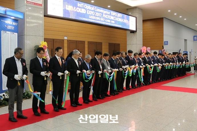 [동영상뉴스] 국제광융합엑스포, LED의 스마트한 변신 선보여