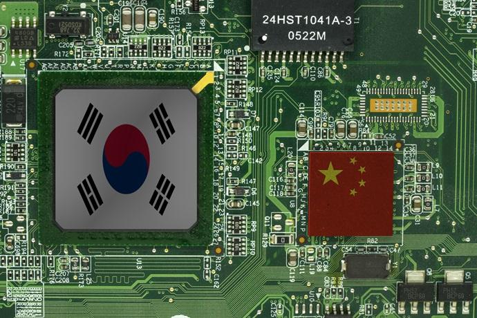 반도체 연간 900억 달러 수출 눈앞…중국 추격에 대응 요구