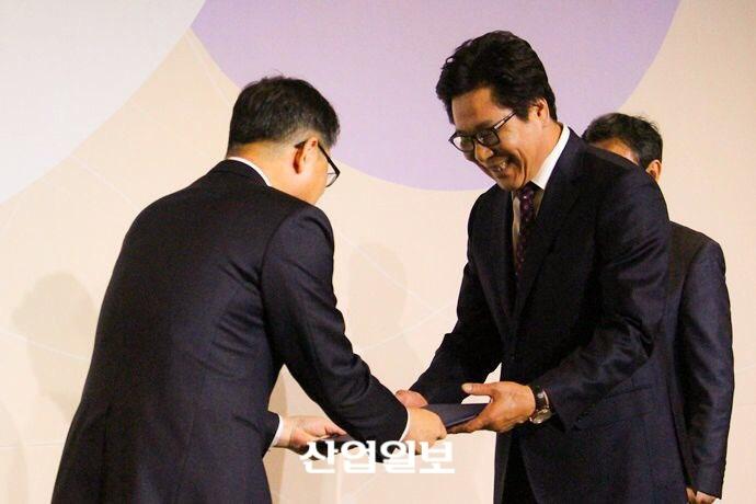 산업다아라 김영환 대표, 대통령 표창 영예