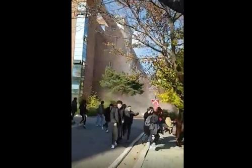 [동영상] 한동대 포항지진 피해 '저 건물 바로 옆에 있었으면..아찔'