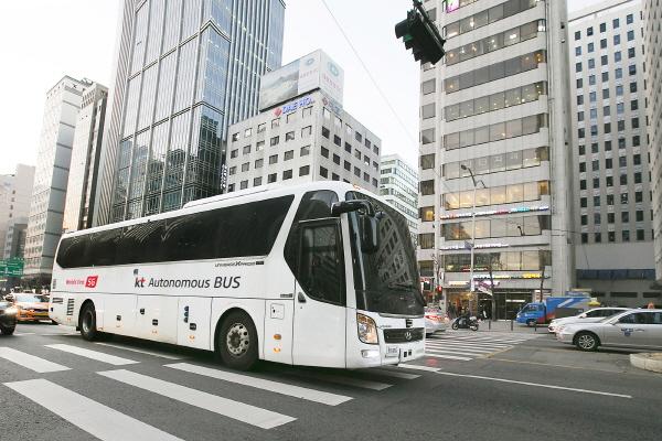KT, 5G 기반 45인승 버스 자율주행 운행허가 취득