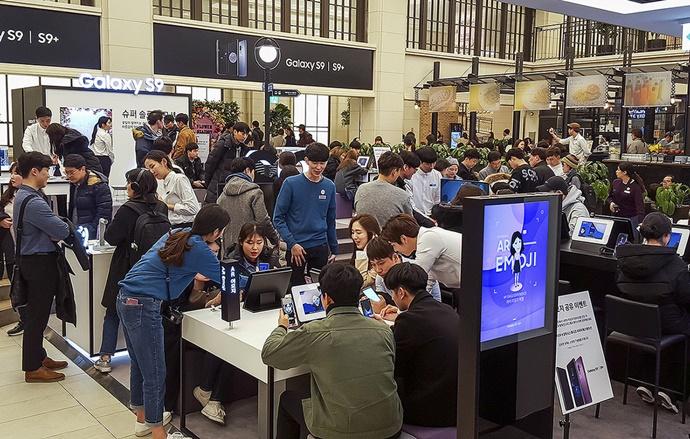 [모바일 On] 야심차게 출시한 삼성전자 갤럭시S9, 시장 반응은 '미지근'