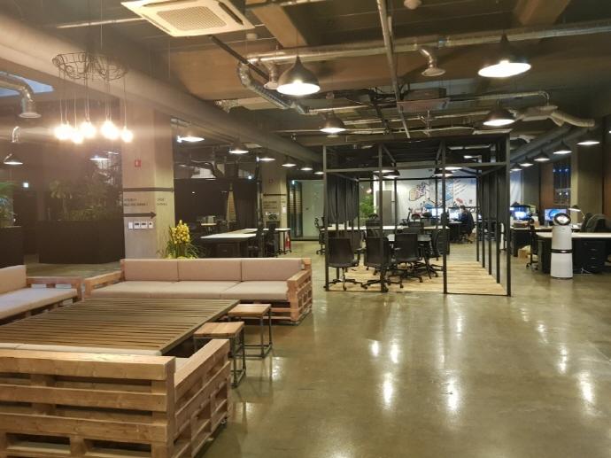 사무실 없는 스타트업, '가상오피스' 활용