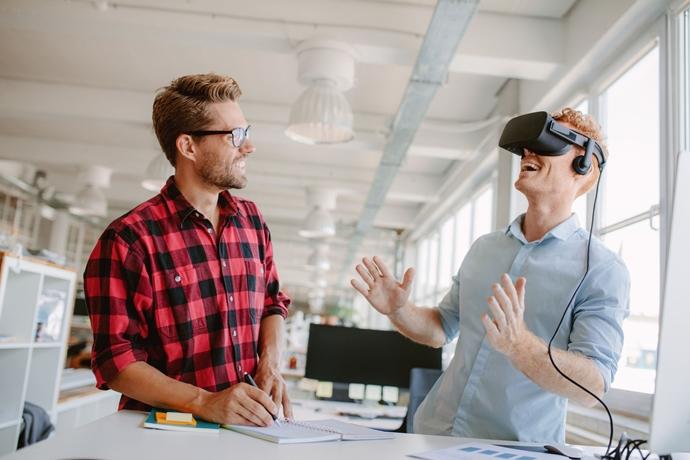 [VR]게임·영상산업에만 쓰이던 VR, 융·복합 통해 제조 능률 향상까지 이끈다 - 다아라매거진 매거진뉴스