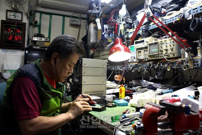 [사진으로 보는 산업뉴스] 대한민국 제조산업의 산증인, 세운상가 '기술 장인'