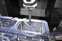 고정밀 사출금형 자동화 프로세스, 신뢰성 높은 가공 위한 인터페이스