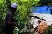 [사진으로 보는 산업뉴스] 가산동 아파트 단지 대형 싱크홀 발생…주민 200여명 긴급 대피
