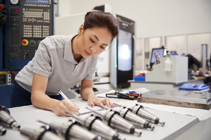 기계산업,  '주 52시간 근무제' 신규채용 늘었지만 인력 미스매치 현상 가중