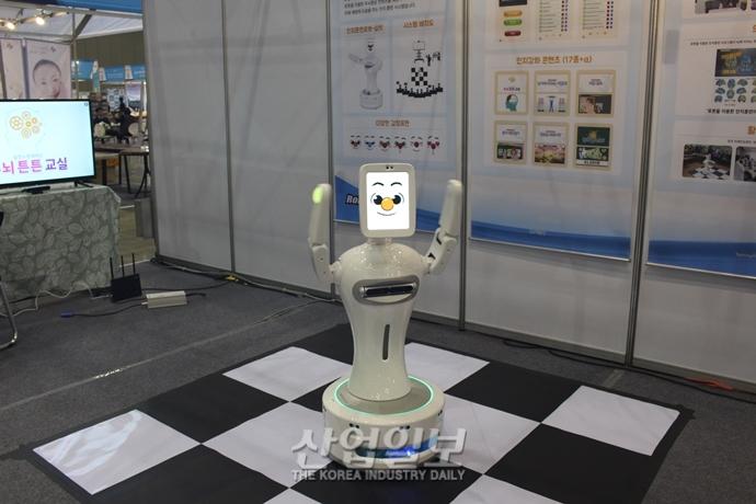 [포토뉴스] 'SENDEX 2018' 고령자 친화형 IoT 기술 제품 '눈길'