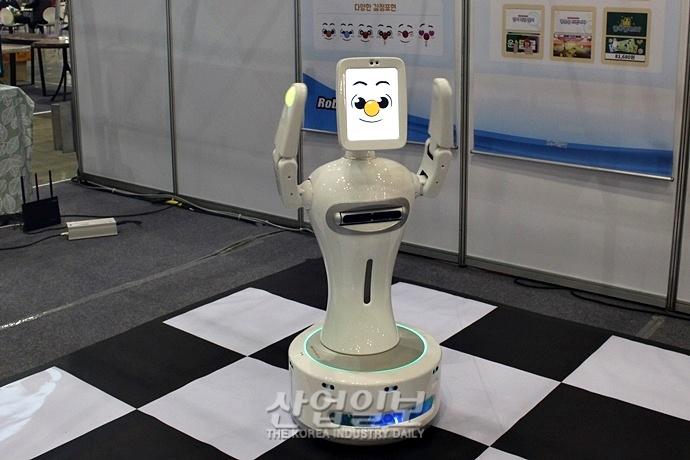 4차 산업혁명 시대의 스마트한 고령자 일상 관리 '따뜻한 IoT가 뜬다'
