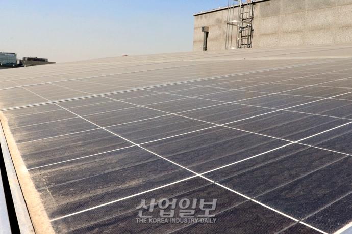 미세먼지로 인한 태양광 발전 효율 저감 정도는?