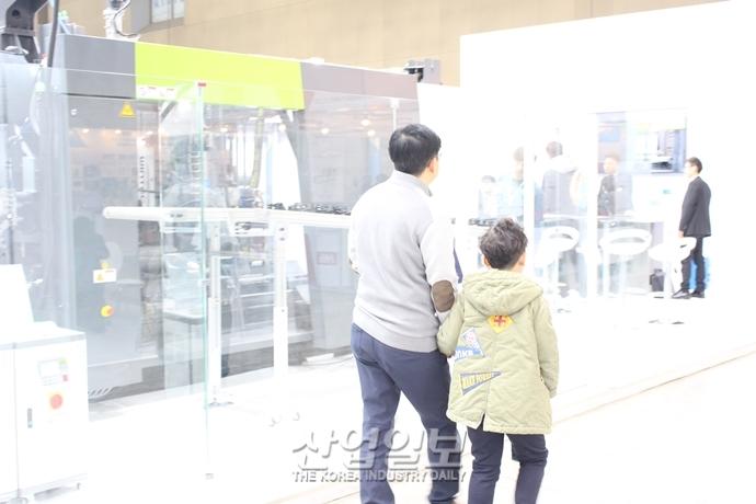 [포토뉴스] [코플라스 2019] 전시회 마지막날까지도 이어지는 발길