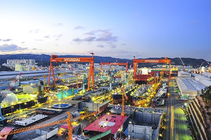현대중공업·삼성중공업 양강 체제로 개편된 조선업계, '탱커'에 기대건다