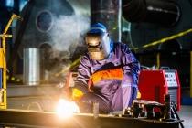 성장 정체에 직면한 제조업, 한국만의 위기 아니다