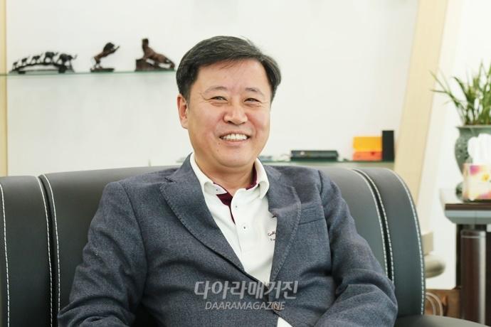 "[InterviewⅠ]한국을 빛낸 기능인②""강한 추진력, 자신감으로부터 얻는다"" - 다아라매거진 인터뷰"
