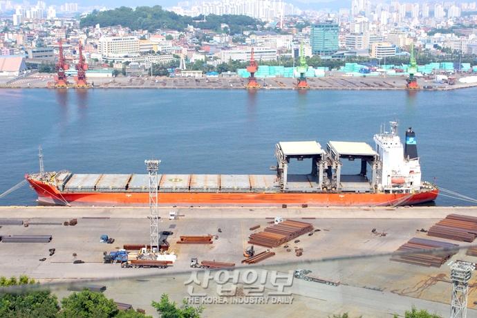 [사진으로 보는 산업뉴스] 3월 수출 8.2% 감소…반도체·중국 수출 부진 영향