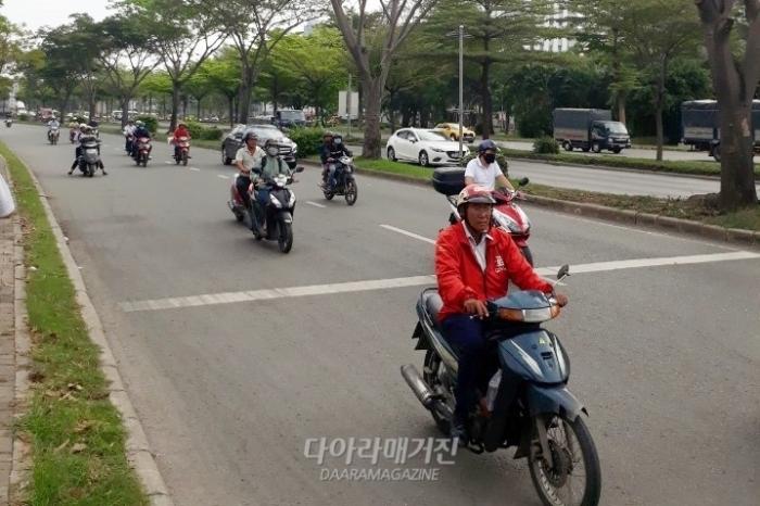 [Outlook]낮은 인건비부터 유대관계까지, 베트남의 문은 더 넓어진다 - 다아라매거진 전시회뉴스