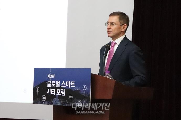 """'스마트시티', """"정부 아닌 기업 주도…시민 참여 도모해야"""" - 다아라매거진 업계동향"""
