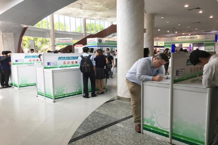 한국 중소·중견기업, 베트남 전시회를 '수출회복' 기회로…