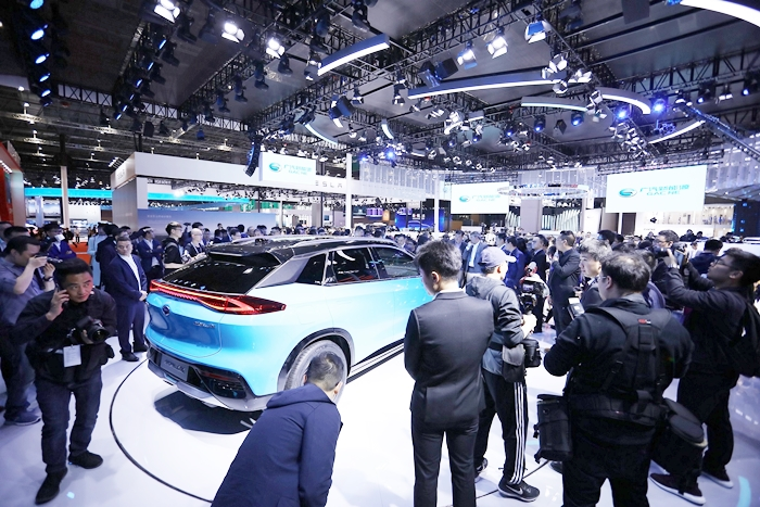 상하이 오토쇼 2019에 등장한 주행거리 600km 넘는 전기 SUV Aion LX