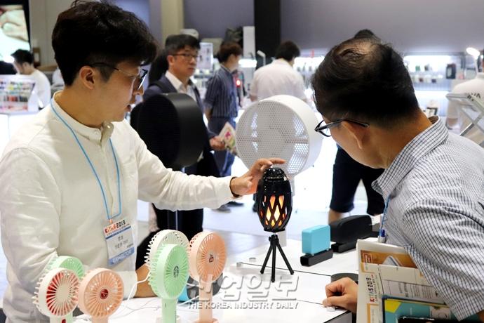 [포토뉴스] 스마트 디바이스 쇼 2019, 무선 기술 적용된 IT 제품 '대세'