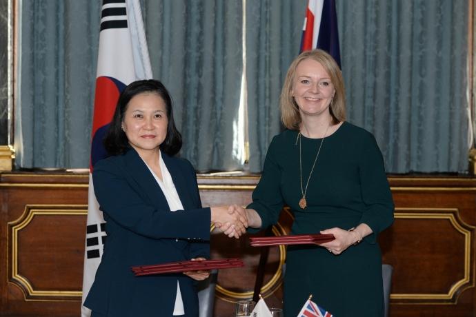 '노딜 브렉시트'에도 끄떡없다, '한·영 자유무역협정(FTA)' 정식 서명