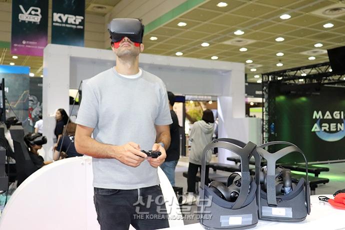 [포토뉴스] 5G 기술 접목한 VR이 바꿀 세상