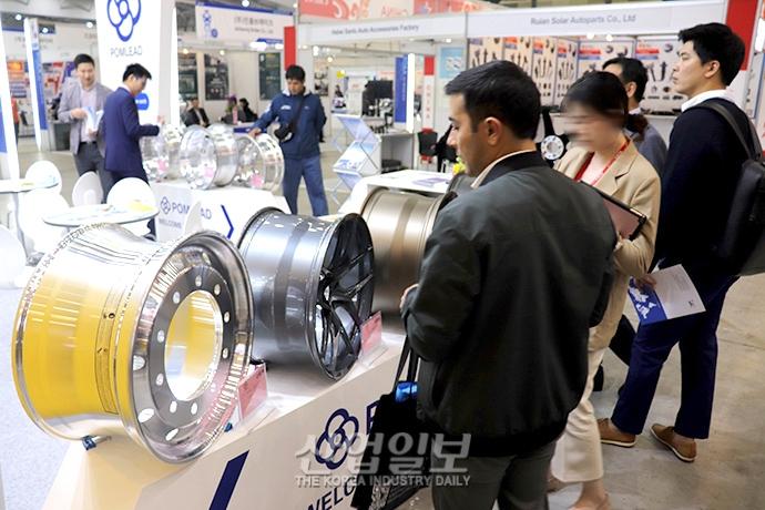 [포토뉴스] 한국 자동차부품소재 산업, 글로벌 시장 개척으로 위기 극복