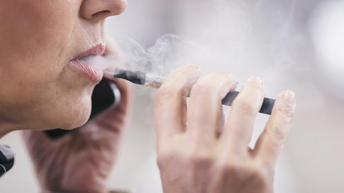 정부, 액상형 전자담배 사용중단 강력 권고