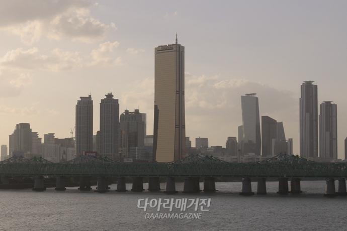 [포토뉴스] 미세먼지에 갇힌 서울 도심 - 산업종합저널 업계동향