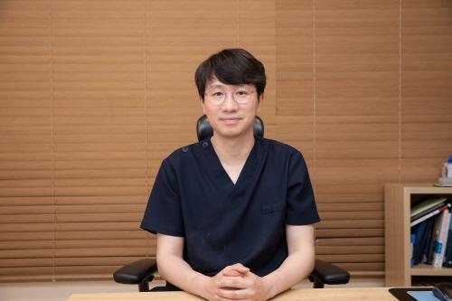 [칼럼] 겨울방학 눈-코성형… 재수술 막으려면 병원 선택 신중해야