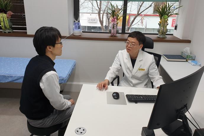 디스크 질환, '프롤로 치료', '도수치료'로 통증 완화 가능