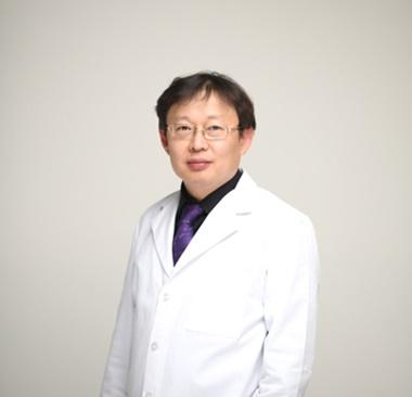 [칼럼] 코 재수술, 성형외과 진단 후 문제점 개선해야