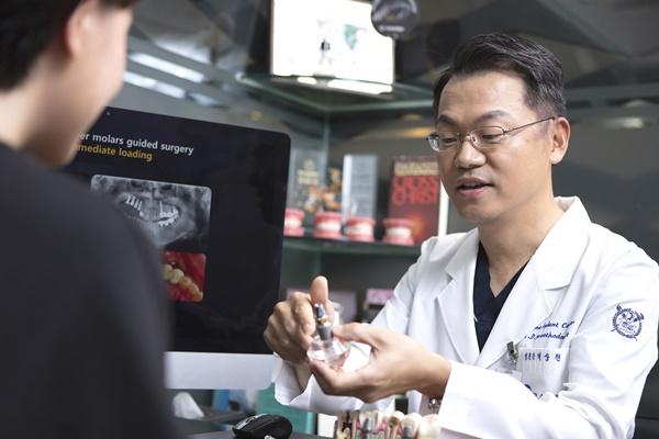 임플란트, 비용뿐만 아니라 의료진의 경험·노하우 고려해야