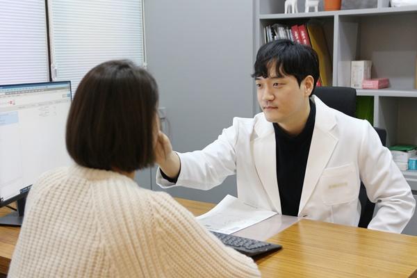 성형수술 고민 해결하는 '필러', 부작용 없이 만족도 높이는 방법은?