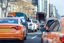 스마트하고 젊어진 플랫폼 택시, 불합리한 규제 과감 개선
