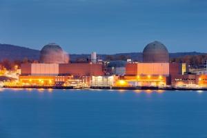 세계 주요국, 재생에너지 늘리고 원전 유지한다