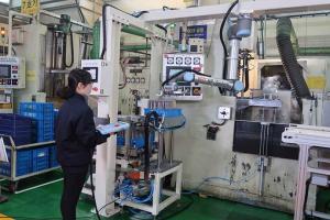 세계적인 반도체 수급난, 협동로봇 도입으로 생산 시장 불균형 해소
