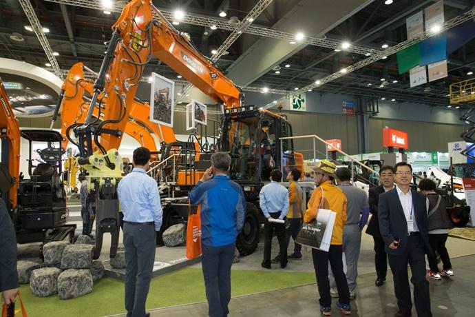 국내 유수 기업 상용특장차, 한국국제건설기계전에 모인다