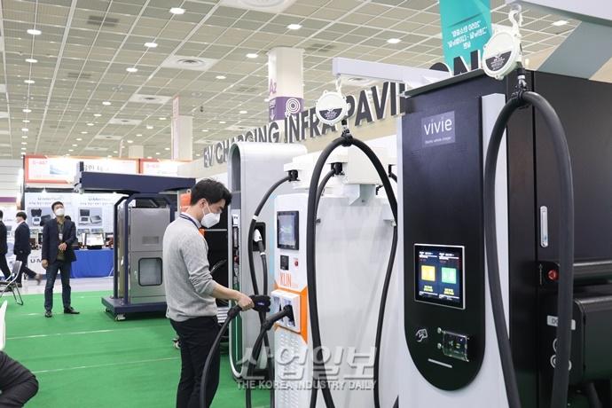 [포토뉴스][2021 전기산업대전] 커져가는 전기차 시장, 충전 기술도 함께 성장