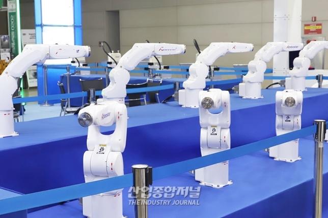 '2021 로보월드' 20개국 200개사 500부스 규모로 열린다 - 산업종합저널 로봇