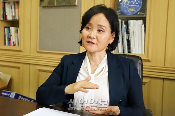 [CEO] 다방면에 유용한 위성영상, 활용 생태계 넓힌다-(주)지아이이앤에스 윤미옥 대표