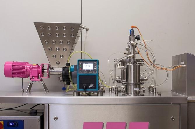 [기업현장] 제과 제빵 장비 전문가들이 시범 설치용으로 표준화한 Qdos펌프 - 산업종합저널 장비